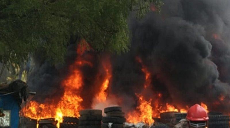 Massive fire in Afzal Gunj